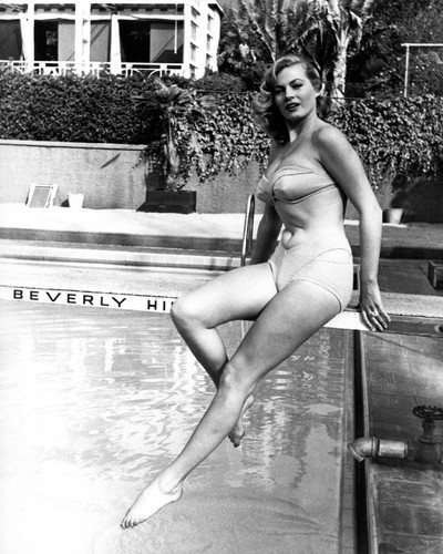 This is an image of Prints & Posters of Anita Ekberg 105410
