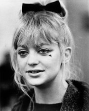 This is an image of Prints & Posters of Goldie Hawn 105428