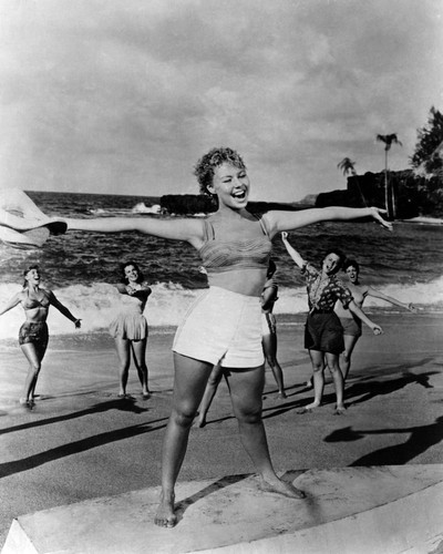 This is an image of Prints & Posters of Mitzi Gaynor 105457