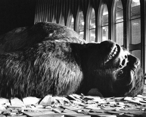 This is an image of Prints & Posters of King Kong (1976) 105001