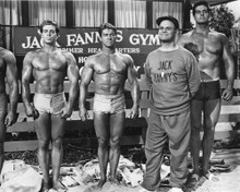 This is an image of Prints & Posters of Muscle Beach Party 105100
