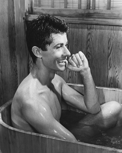 This is an image of Prints & Posters of George Chakiris 105118