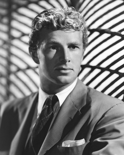 This is an image of Prints & Posters of Sterling Hayden 105134