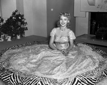 This is an image of Prints & Posters of Carole Landis 105632