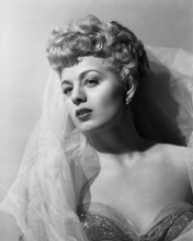 This is an image of Prints & Posters of Shelley Winters 105644