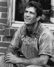 This is an image of Prints & Posters of Mel Gibson 105832