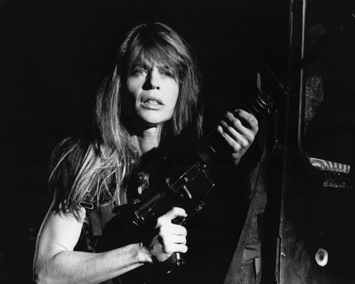 This is an image of Prints & Posters of Linda Hamilton 105896