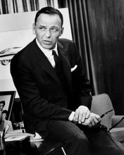 This is an image of Prints & Posters of Frank Sinatra 105704