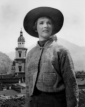 This is an image of Prints & Posters of Julie Andrews 105580