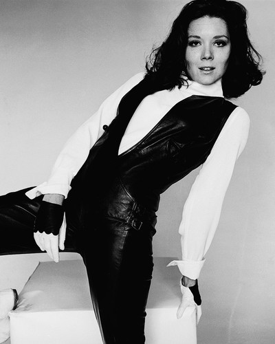 This is an image of Prints & Posters of Diana Rigg 105752