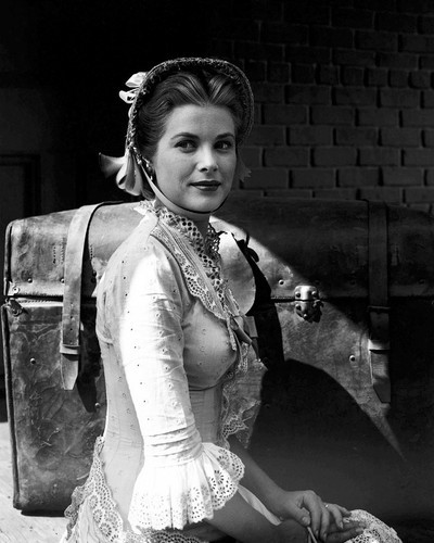 This is an image of Prints & Posters of Grace Kelly 105910