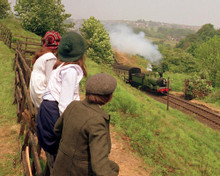 This is an image of Prints & Posters of The Railway Children 203158