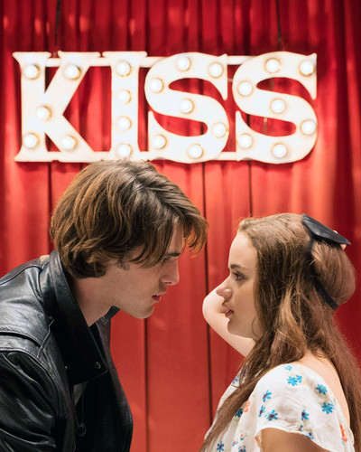 This is an image of Prints & Posters of The Kissing Booth 203167
