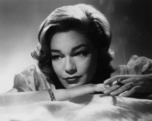 This is an image of Prints & Posters of Simone Signoret 106192
