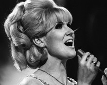 This is an image of Prints & Posters of Dusty Springfield 106038