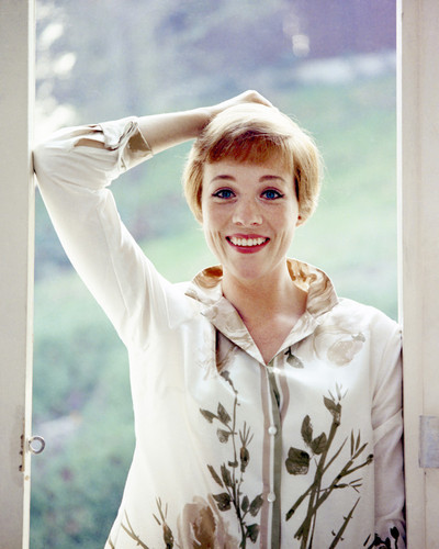 This is an image of Prints & Posters of Julie Andrews 203547