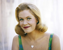 This is an image of Prints & Posters of Elizabeth Montgomery 203427