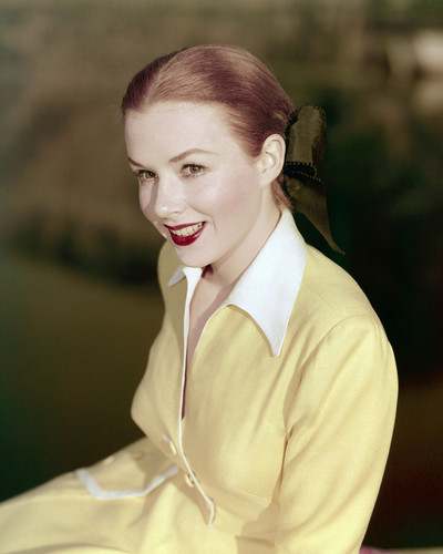This is an image of Prints & Posters of Piper Laurie 203404