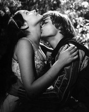 This is an image of Prints & Posters of Romeo and Juliet 106049