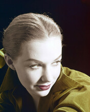 This is an image of Prints & Posters of Piper Laurie 203854
