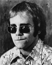 This is an image of Prints & Posters of Elton John 106761