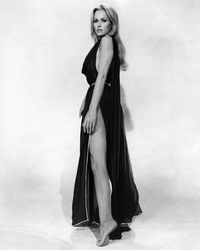 This is an image of Prints & Posters of Ursula Andress 106763