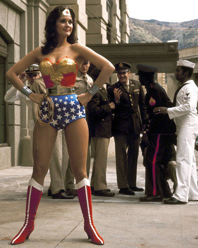 This is an image of Prints & Posters of Lynda Carter 203747