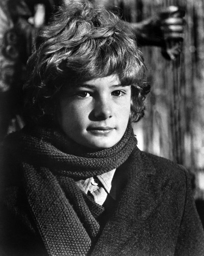This is an image of Prints & Posters of Mark Lester 106438