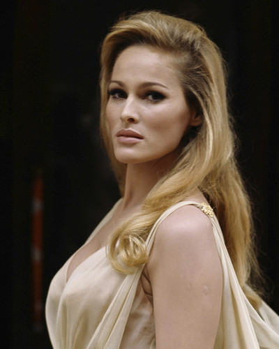 This is an image of Prints & Posters of Ursula Andress 204092