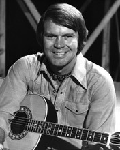 This is an image of Prints & Posters of Glen Campbell 106979
