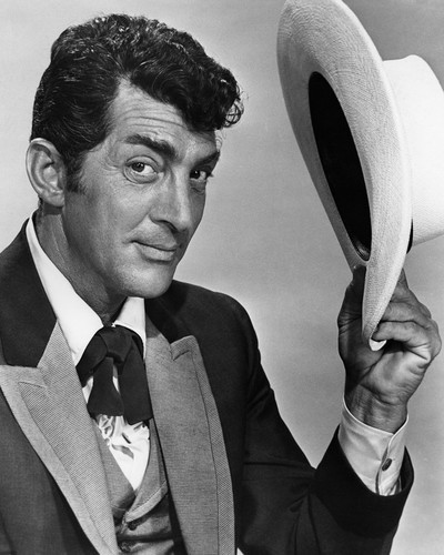 This is an image of Prints & Posters of Dean Martin 106980