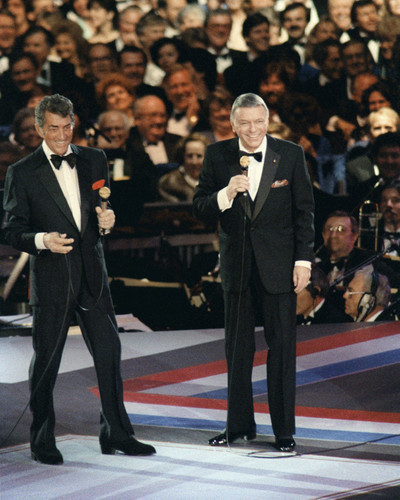 This is an image of Prints & Posters of Frank Sinatra and Dean Martin 204205