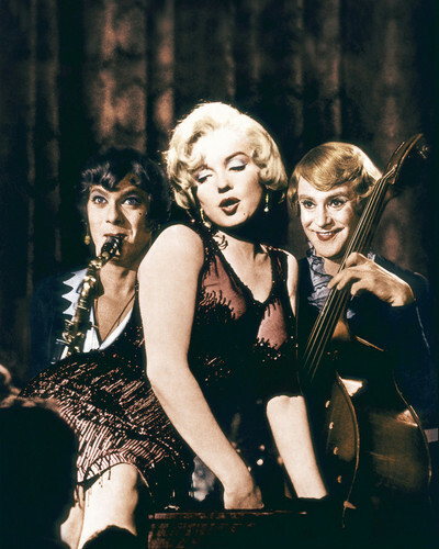 This is an image of Prints & Posters of Some Like It Hot 204213