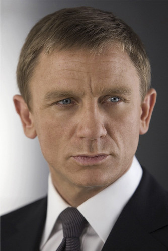This is an image of Prints & Posters of Daniel Craig 204232