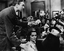 This is an image of Prints & Posters of It's a Wonderful Life 106899