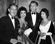 This is an image of Prints & Posters of Elizabeth Taylor 106922