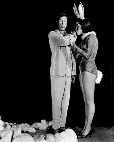 This is an image of Prints & Posters of The Dick Van Dyke Show 106867