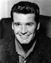 This is an image of Prints & Posters of James Garner 107115