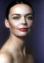 Barbara Steele, Rare bare-shouldered portrait 8x12 photo