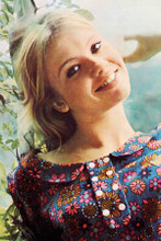 Hayley Mills beautiful smiling outdoor portrait for The Family Way 8x12 photo