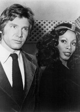 Donna Summer rare pose with Harrison Ford at 1970's event 5x7 inch photo