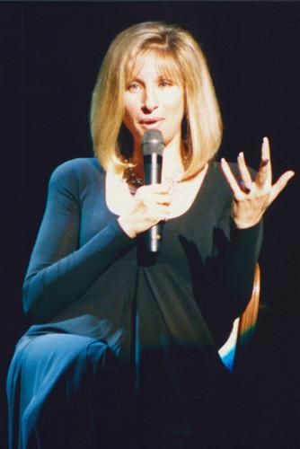 Barbra Streisand 4x6 inch press photo #350891