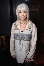 Emmylou Harris country superstar lovely contemporary pose in white 4x6 photo
