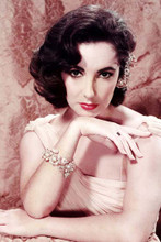 Elizabeth Taylor 1950's glamour pose in white dress 4x6 inch photo