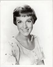 Julie Andrews original 1960's 8x10 photograph portrait smiling