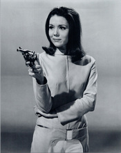 Diana Rigg as Emma Peel pointing gun The Avengers 8x10 photo
