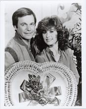 Hart to Hart TV series Robert Wagner Stefanie Powers with Valentine's heart 8x10