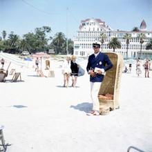 Some Like it Hot Tony Curtis Marilyn Monroe Jack Lemmon Coronardo Beach 8x10