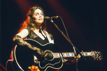 Emmylou Harris performing in concert with guitar 8x10 photograph