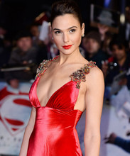 Gal Gadot stunning busty pose in sexy red dress 8x10 photo